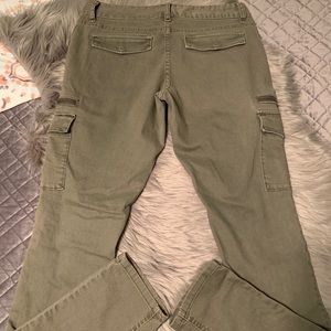 Like new Mossimo cargo jeans.